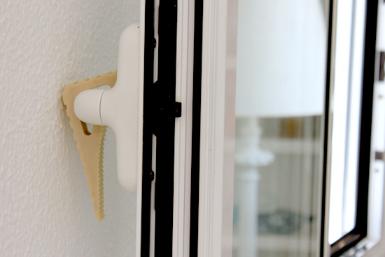 Blockystart window stopper on the handle